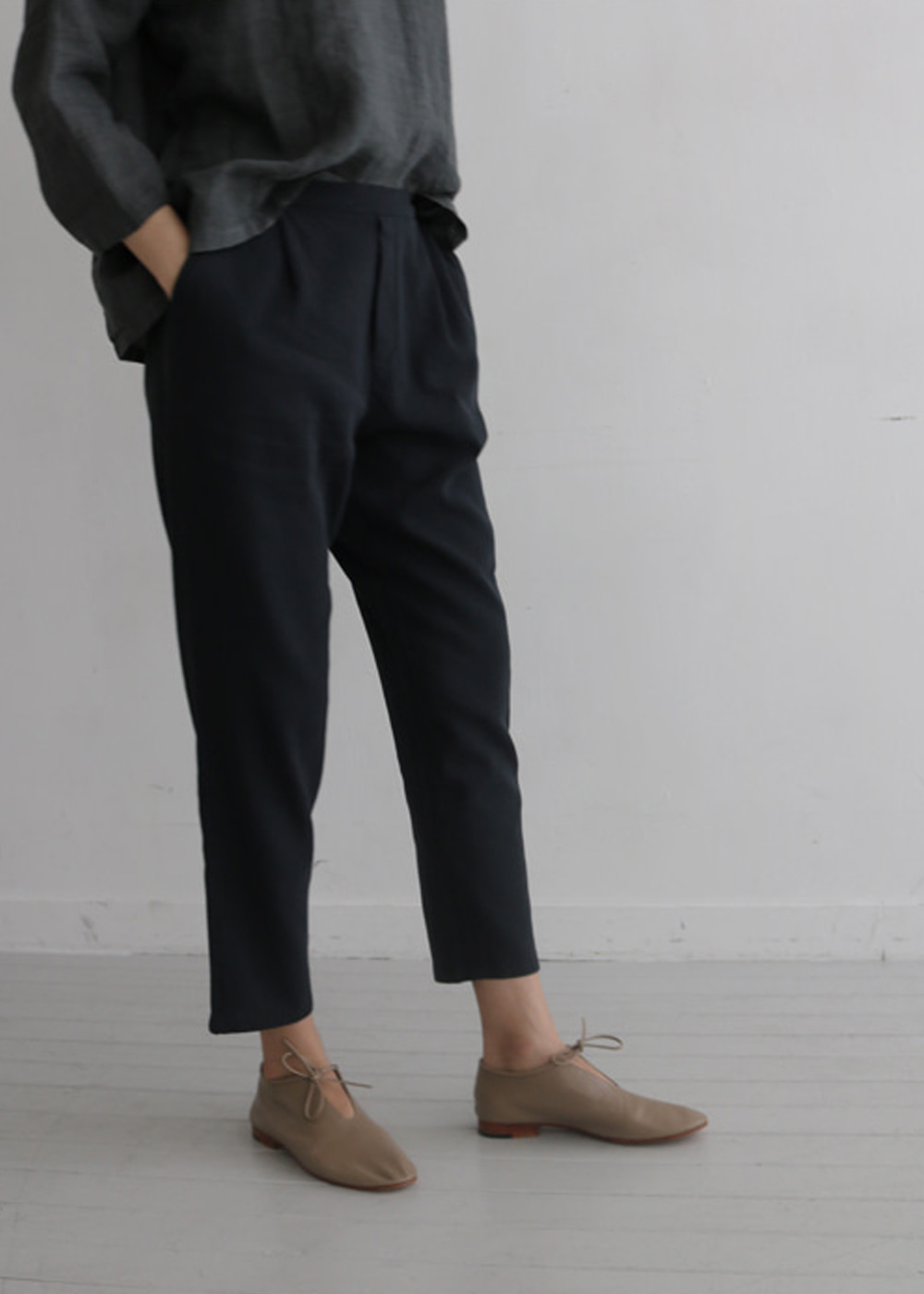 COTTON DOUBLE TUCK PANTS