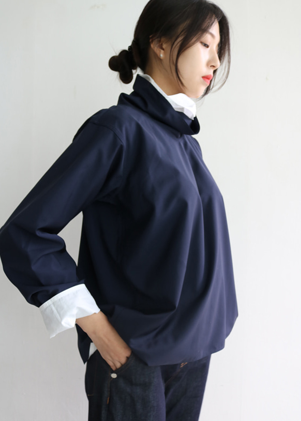 ASYMMETRIC TOP WITH COLLAR