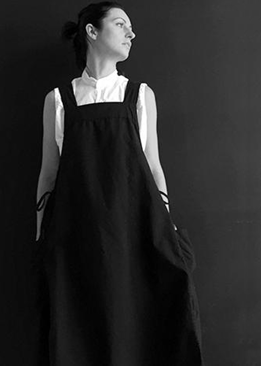 NEW APRON LINEN DRESS